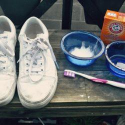 đánh giày bằng baking Soda