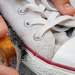 Giặt giày bằng nước rửa bát vừa an toàn lại hiệu quả