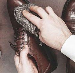 xi đánh giày bị khô
