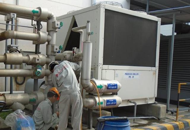 Sửa chữa bơm nước tháp giải nhiệt